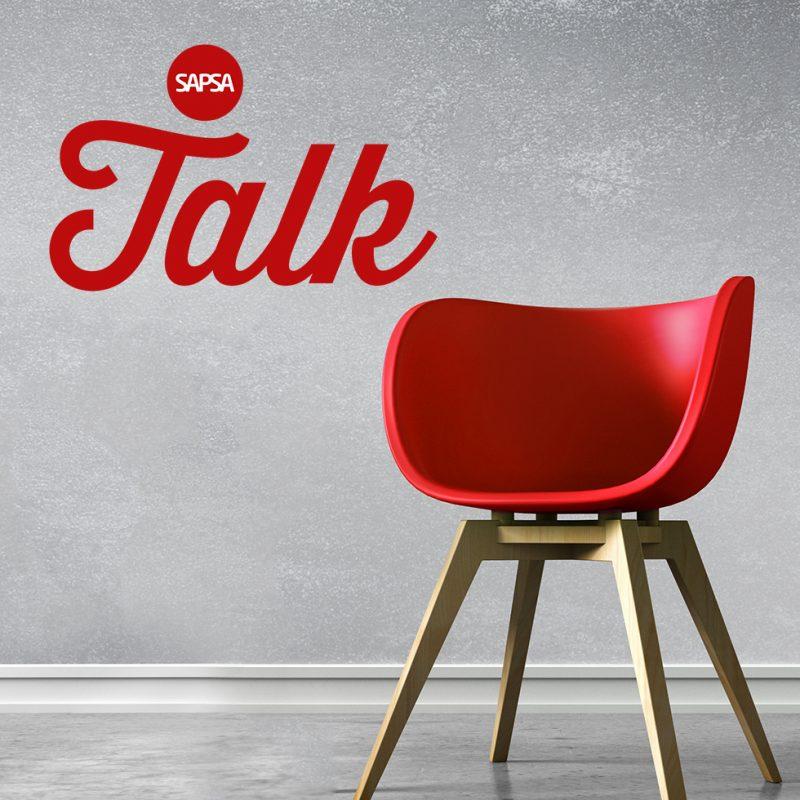 Röd stol tillsammans med SAPSA Talk logon